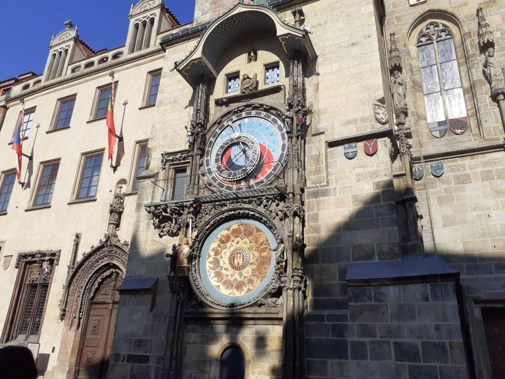 prague astronomical clock how it works
