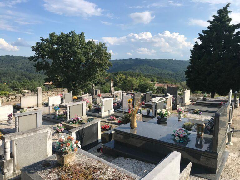 hum cemetery