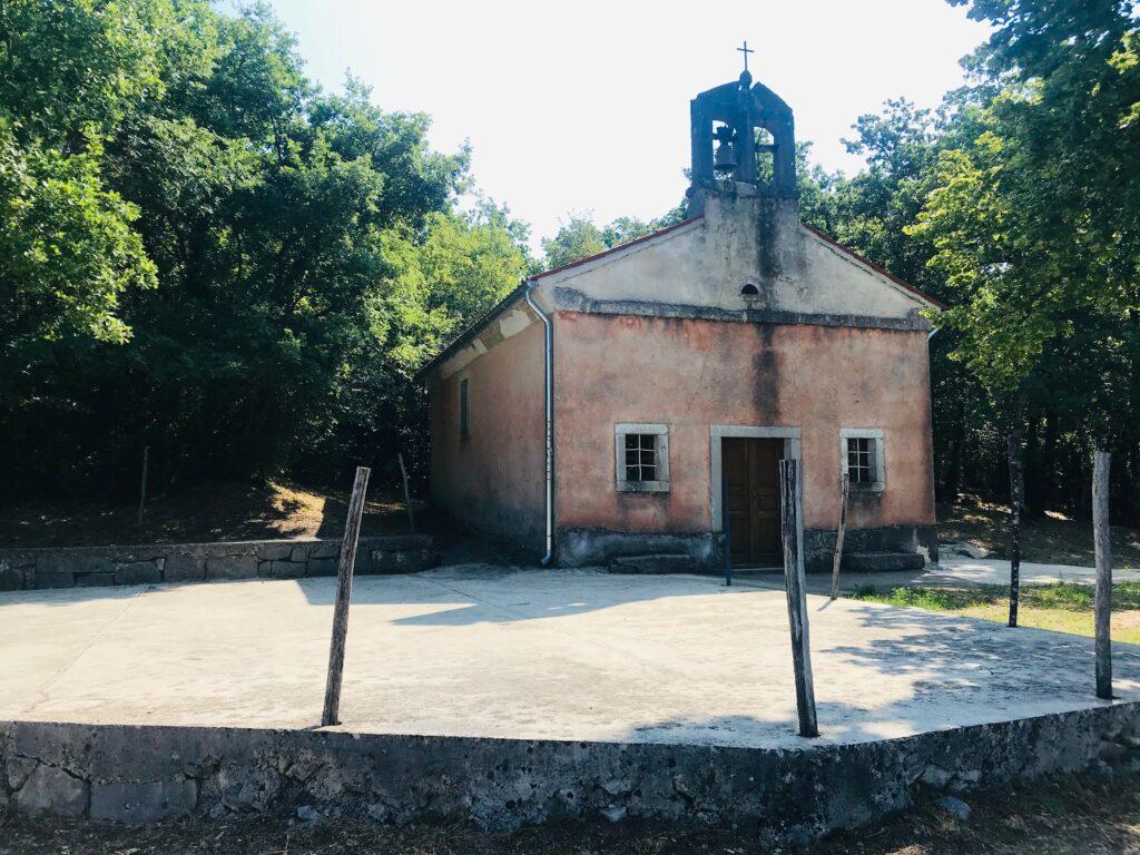 Ivana Pavla Mučenika church hum