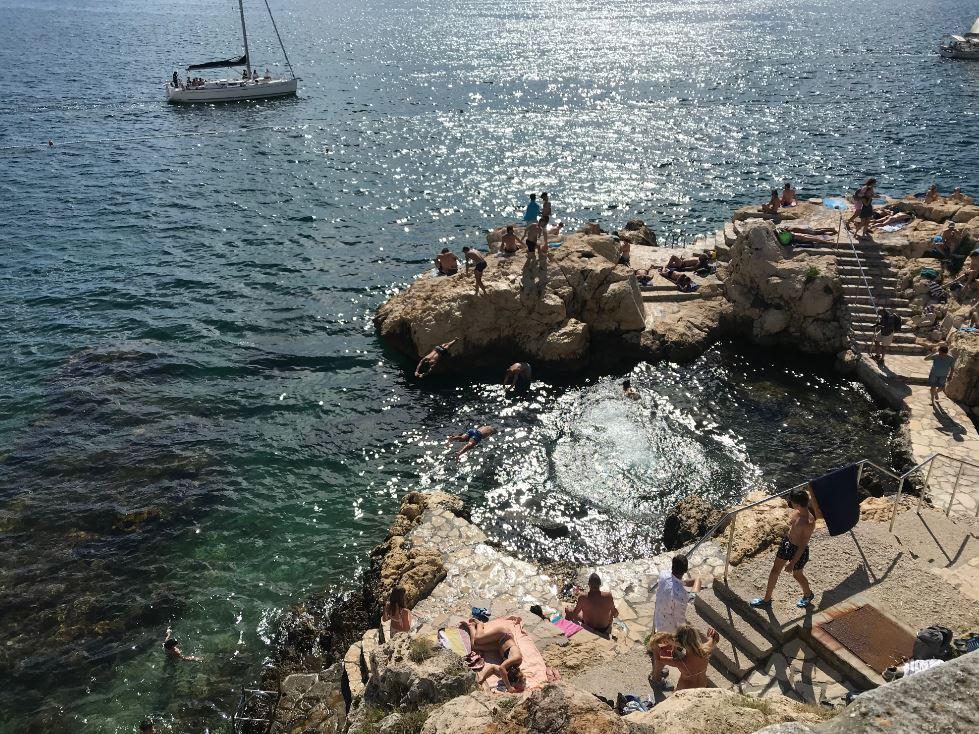 cliff jumping in rovinj croatia